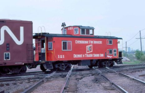 DTSL Caboose at Vickers OH